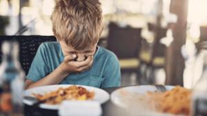 กลเม็ดสำหรับการรับประทานอาหารข้างถนนโดยไม่ป่วยไข้